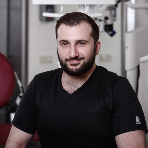 Стоматолог-хирург, имплантолог